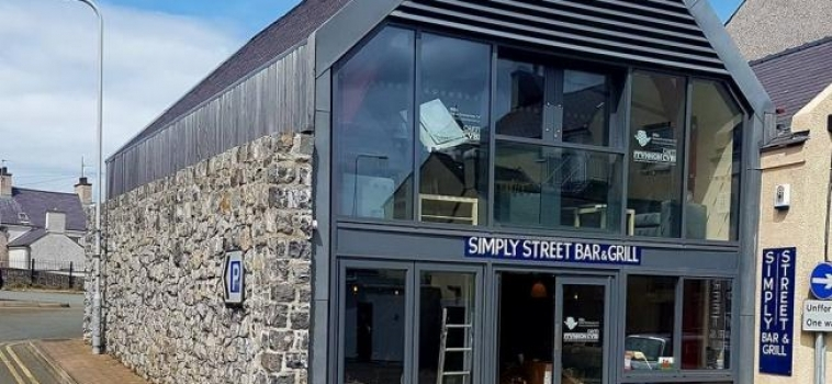 Simply Street Bar and Grill